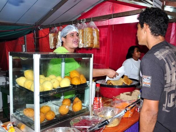 Festival do Açaí lota hotéis e movimenta economia em Feijó